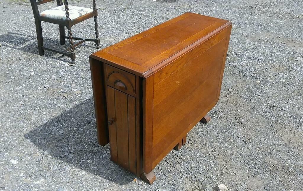Beautiful Vintage 1940 S Drop Leaf Table With Storage In