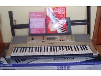 YAMAHA PSR-E313 Electronic Keyboard complete with keyboard stand
