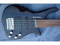 Harley Benton 5 string fretless Bass