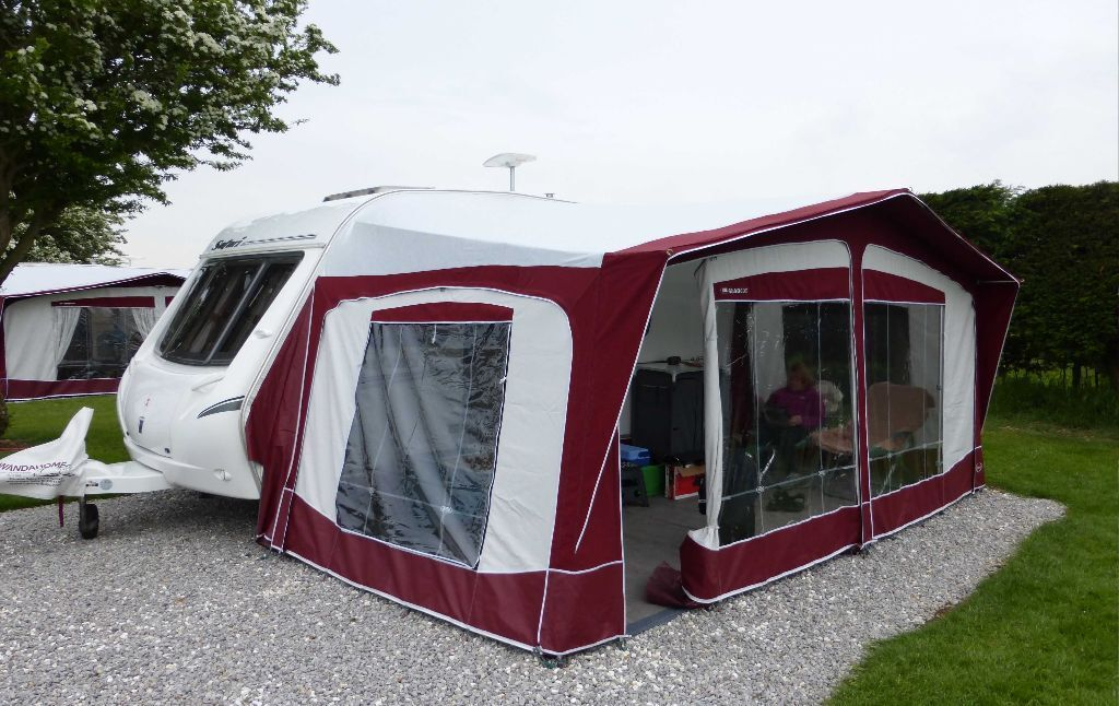 bradcot classic 900cm caravan full awning in willerby