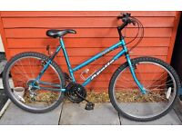 LADIES APOLLO FEVER MTB/COMMUTE BIKE, SIZE 20 INCH FRAME, 26 INCH WHEELS, BOTTLE CAGE + KICK STAND
