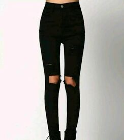 Romwe Black Skinny Ripped Denim Pant Size M