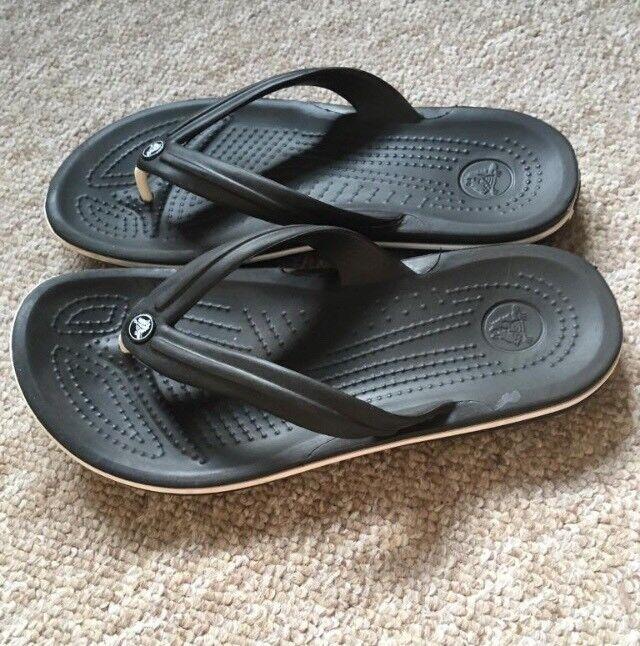 ce13635eb39f Crocs flip flops - size 4