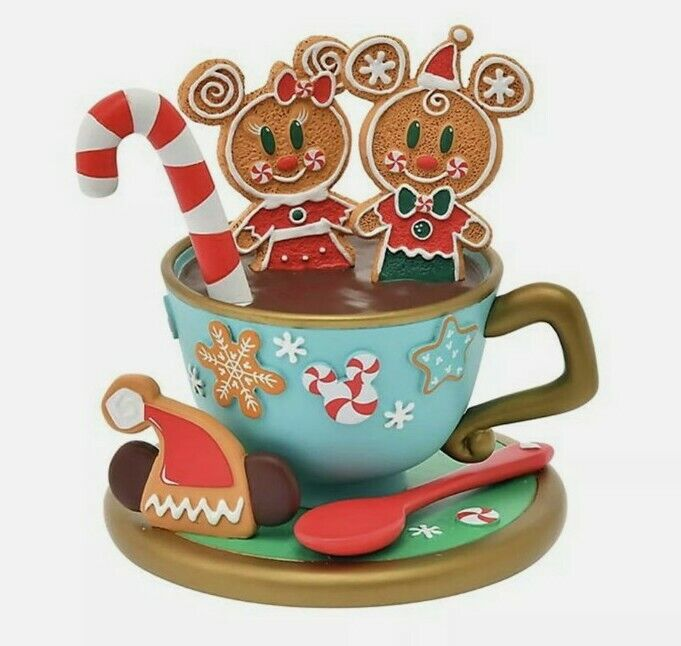Disney Store Japan 2020 Gingerbread Cookie Accessory Stand Christmas in hand