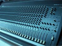 Mackie SR 32:4 Mixing Console in full Flight Case