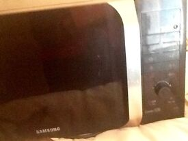 Samsung 900 watt microwave oven, touch control