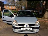 Renault Clio 1.2 (with free dashcam)