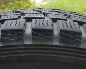 Four winter tires 225 60R17