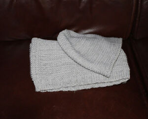 Slouchy Hat and scarf, silver sparkly Belleville Belleville Area image 2