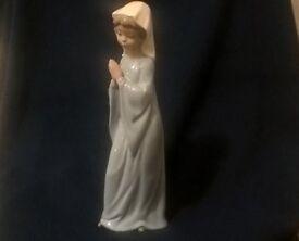 VINTAGE LLADRO NAO NUN / GIRL PRAYING / LITTLE NUN Perfect Condition