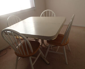 Dining Room table and 2 Solid Wood Chair Set
