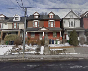 close to downtown toronto,1 bedroom on 2nd floor 2 story house