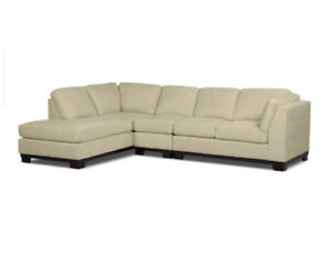 Oakdale 3-pc. Left facing Sectional & Ottoman *Pre-owned**
