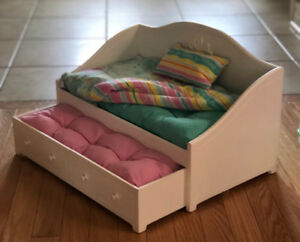 """American Girl Trundle Bed and Bedding for 18"""" Dolls"""