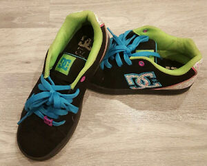 Girls size 4 DC running shoes