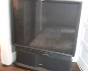52 inch tv For Sale