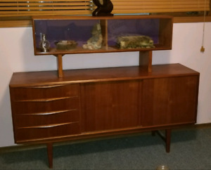 Mid Century Teakwood Buffet and Hutch