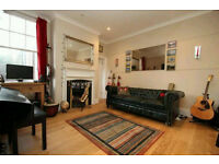 Beautiful victorian apartment with big double bedroom, large living room in Highgate N6