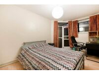 Yes Baby ! Shadwell/Lovely Double Room/COUPLES ARE WELCOME !
