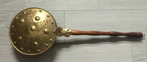 """OLD FASHIONED BRASS & COPPER BED WARMER STAR PATTERN 27"""" WOODEN SPINDLE HANDLE"""