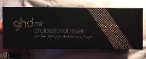GHD. Mini professional styler.