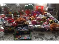 LARGE AMOUNT OF TOYS CARBOOT TRADER !!! ADD 1