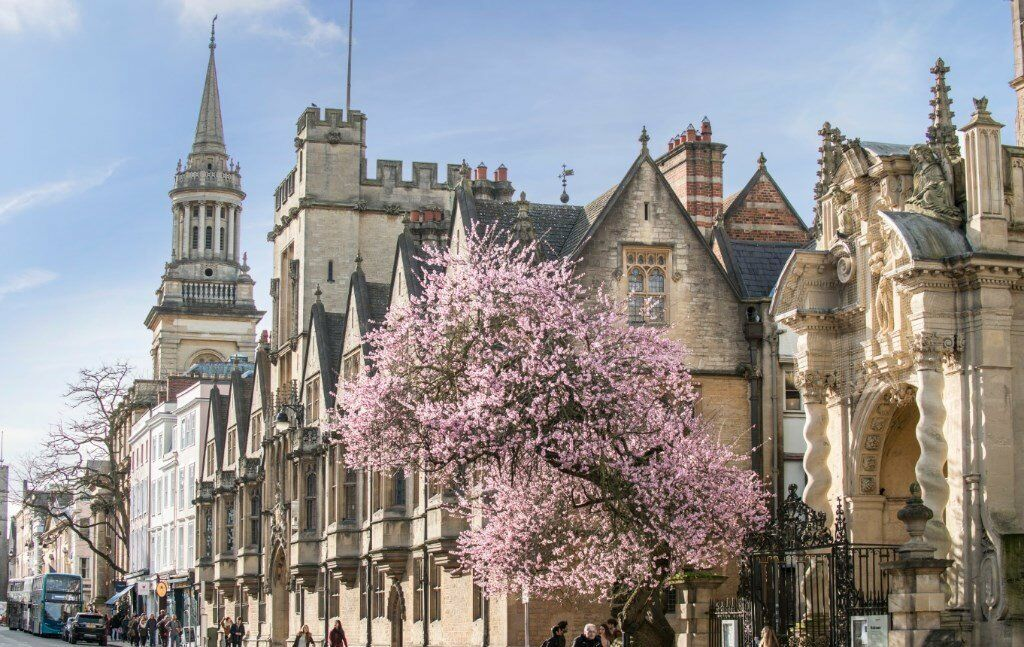 *Student Accomodation in the Heart of Oxford. Brand New En-suite Rooms available for 2017 Intake*
