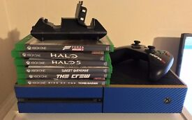 Fully boxed Blue and Gold Xbox One 500Gb with 6 games, 1 controller and two ORB battery packs