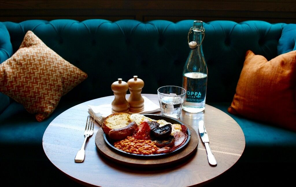 Breakfast chef + morning shifts only + great pay + service charge