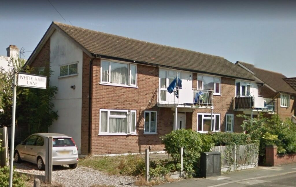 3 Bedroom Flat to Rent in Romford, RM7