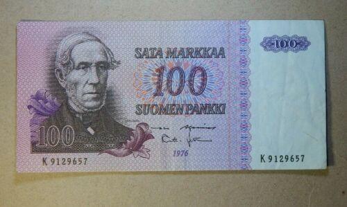 FINLAND: 1 x 100 Finnish Markka Banknote. 1976.