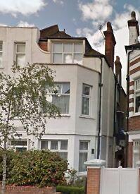 - NO AGENT FEES - Prestine 2 bed ground floor garden flat 3 min walk to Stamford Brook tube W6