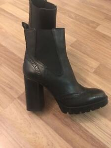ZARA- HIGH HEEL LEATHER ANKLE BOOTS --SIZE-37--