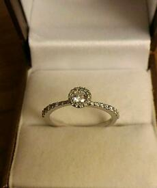 Brand new 9ct White gold engagement ring
