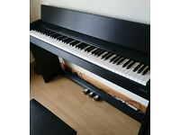 Roland digital piano F-110