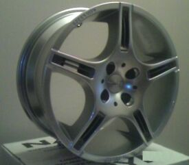"Momo 18"" alloy wheels"