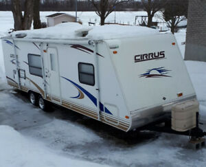 ROULOTTE CIRRUS 2008,27 PIEDS,SEULEMENT 4500LBS.