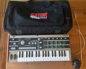 Microkorg with travel case mic and power supply