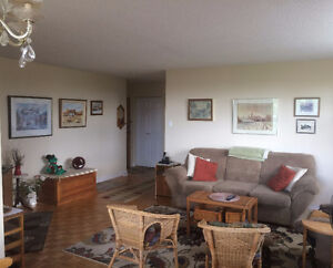 SUBLET ON RIDEAU CANAL - DOWNTOWN!!  Everything Included!