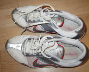 Nike Air running shoes, women's 8 in very good condition