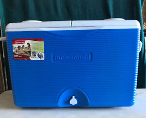 Rubbermaid Ice Chest Cooler 60qt/56.7L