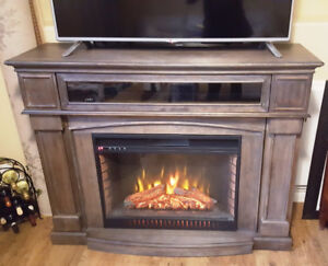 Electric Fireplace with Remote,Mint Condition – Best Deal!URGENT