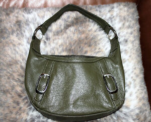 Khaki green 100% leather small purse ! Gatineau Ottawa / Gatineau Area image 1