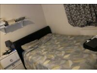 Lovely Double Room to Rent in Shared House on Edenvale Road, Mitcham