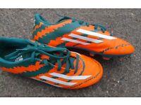 Adidas Messi 10.1 Football boots