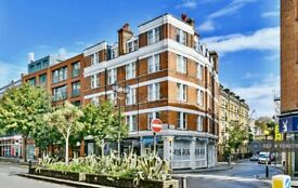3 bedroom flat in Kensington Mall, London, W8 (3 bed) (#1036078)