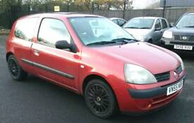 2005 Renault clio 1.2 petrol Full mot Very cheap to run and insurance brilliant drives