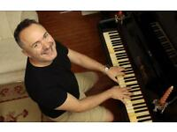 Singing teacher- piano tutor- Crouch End- active professional opera and oratorio singer