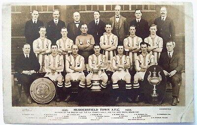 HUDDERSFIELD TOWN 1921-22 ORIGINAL FOOTBALL POSTCARD