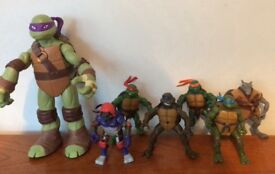 Ninja turtles figure bundle